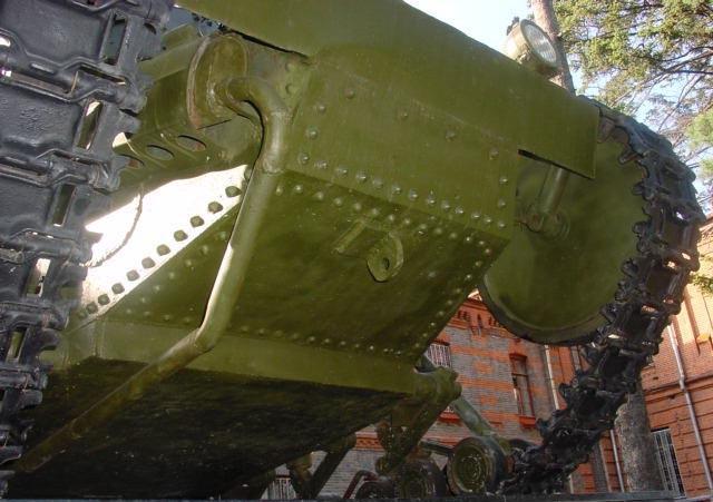 Танк Т-18 вид снизу спереди