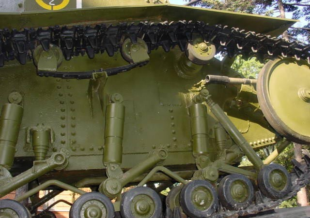 Танк Т-18 правый борт