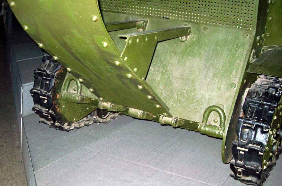 Танк Т-18 вид сзади