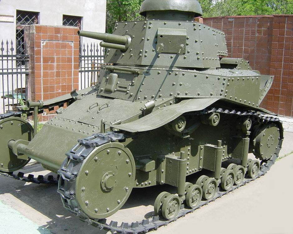 Танк Т-18, вид слева
