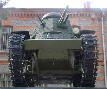 Танк Т-18 снизу