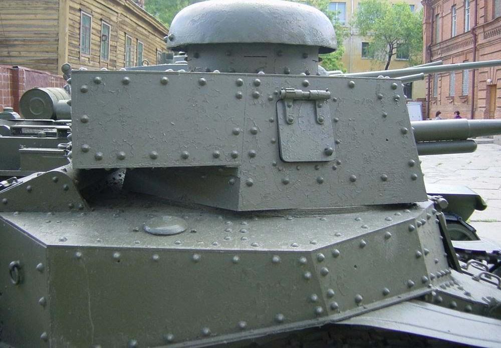 Танк Т-18, башня, вид справа