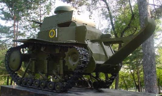 Танк Т-18, вид сзади
