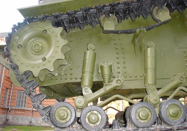 Танк Т-18, катки