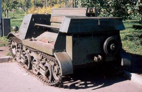 Танк Т-20, вид сзади