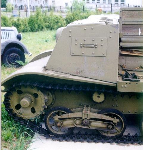Танк Т-20, кабина