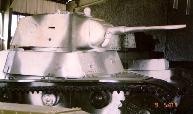 Танк Т-26 в зимней окраске