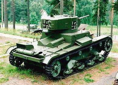 Танк Т-26 с крестами