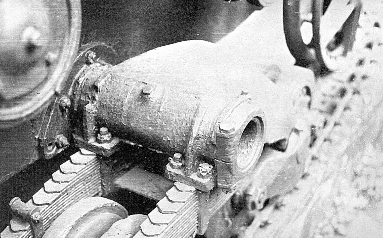 Танк Т-26, крепление колёсных тележек
