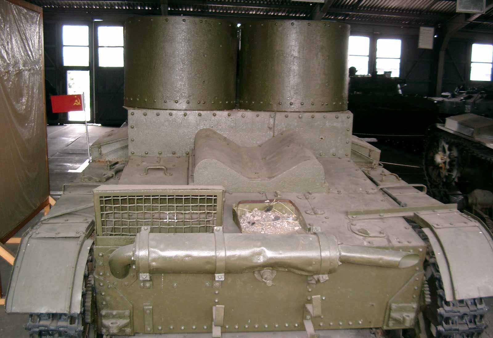 Танк Т-26, задняя часть