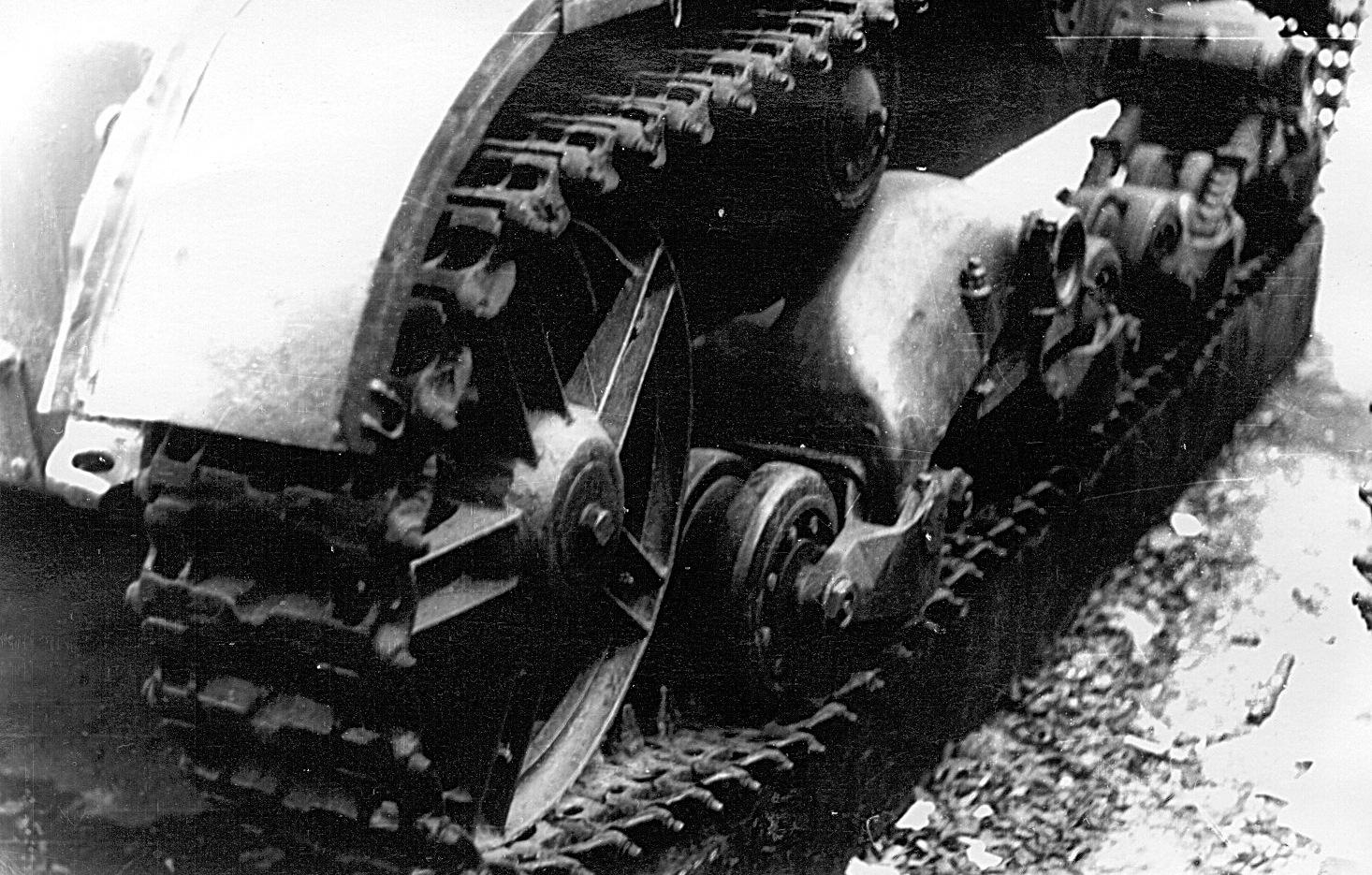 Танк Т-26, гусеница крупным планом