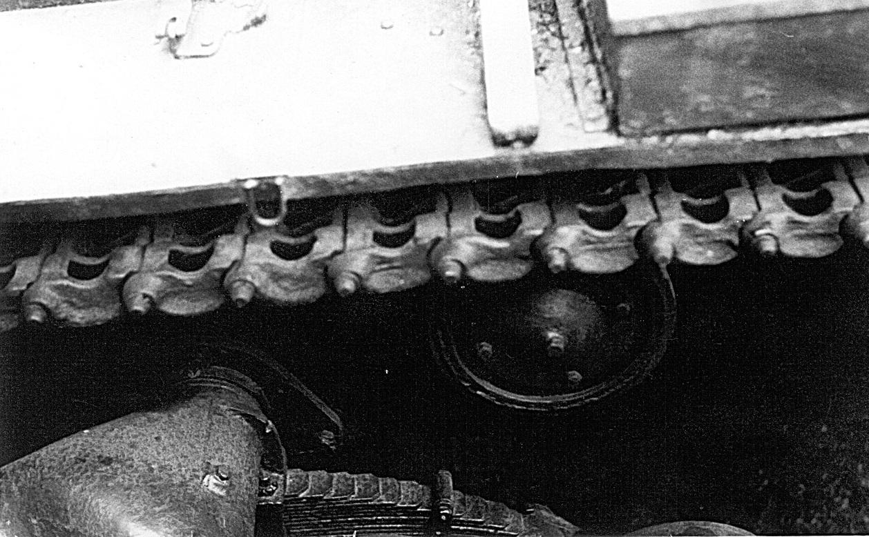 Танк Т-26, верхняя часть гусеницы