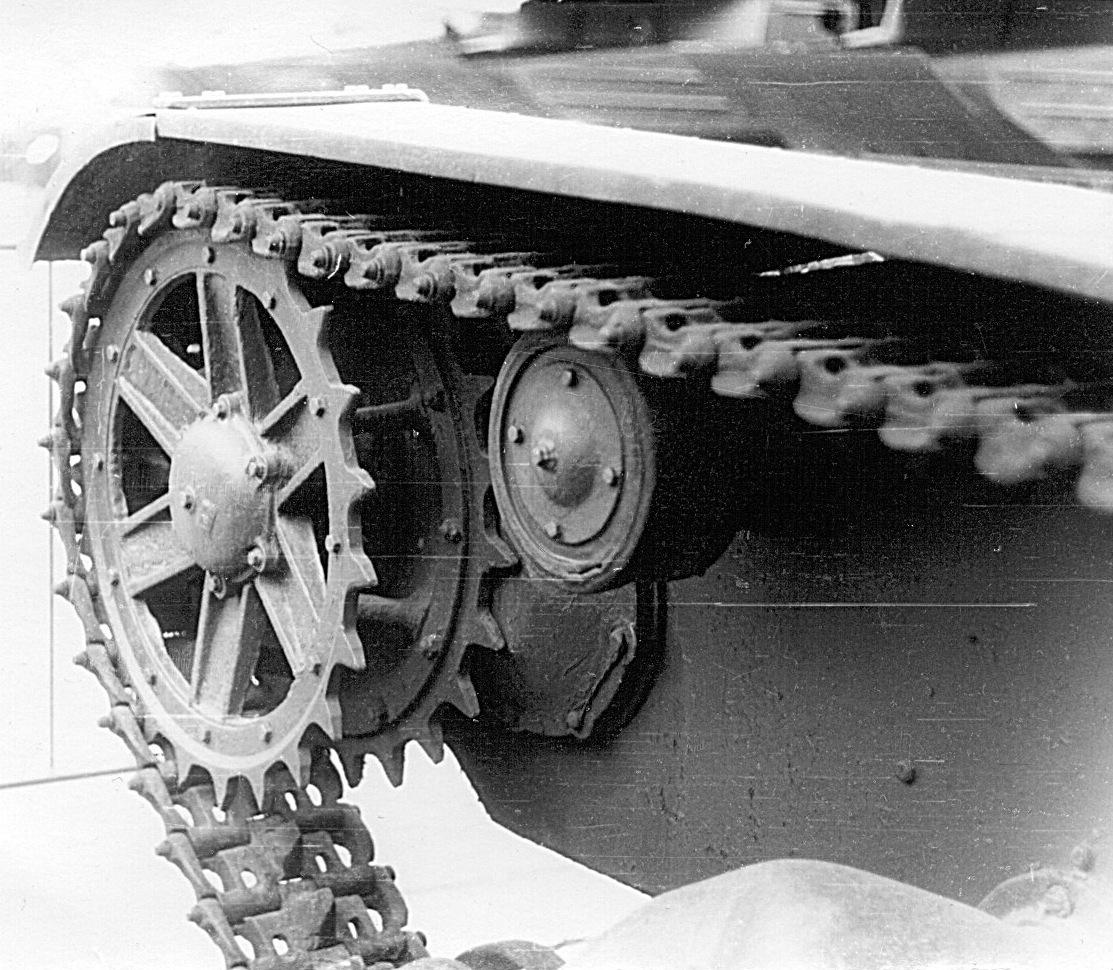Танк Т-26, боковая поверхность танка