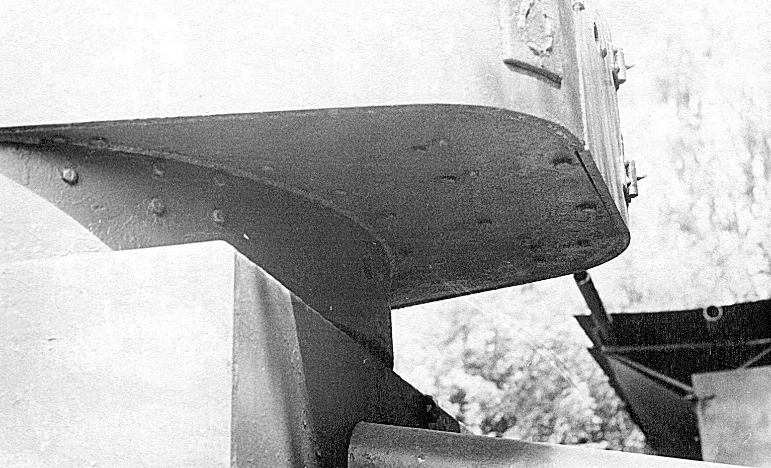 Танк Т-26, низ задней части башни