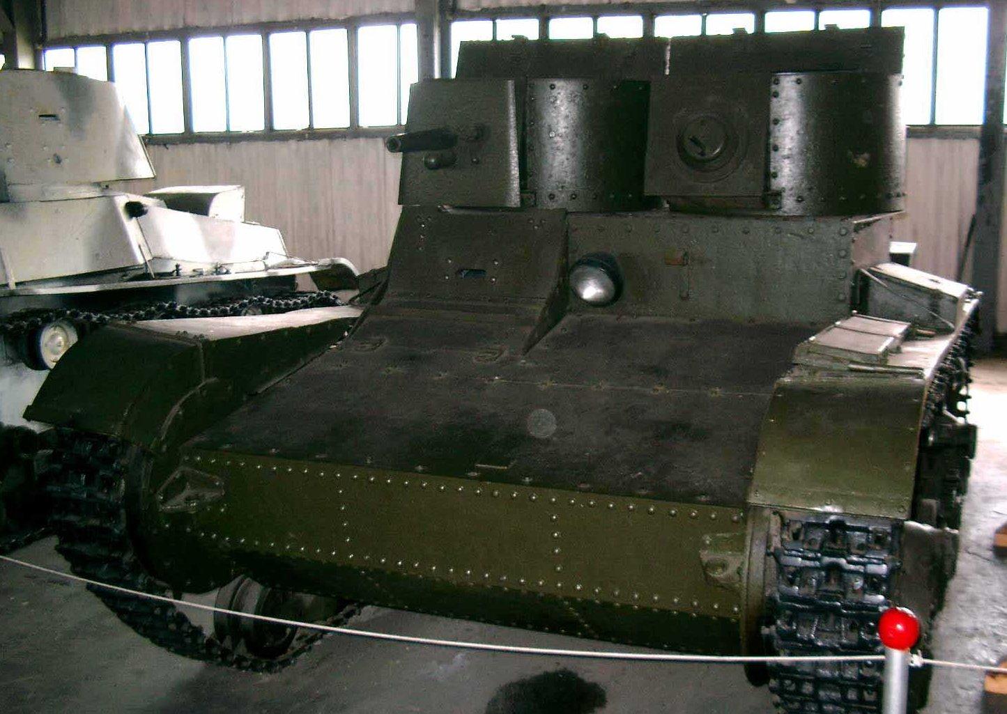 Танк Т-26, перед