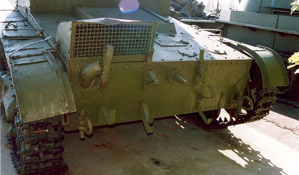 Танк Т-26, защита двигателя