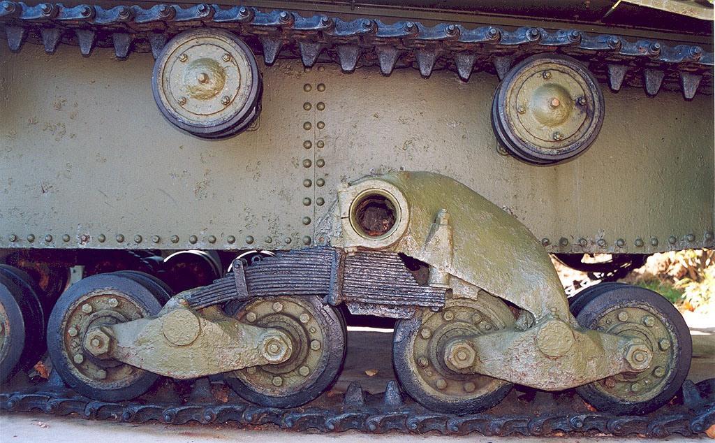Танк Т-26, катки