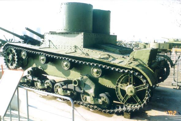 Танк Т-26, левый борт