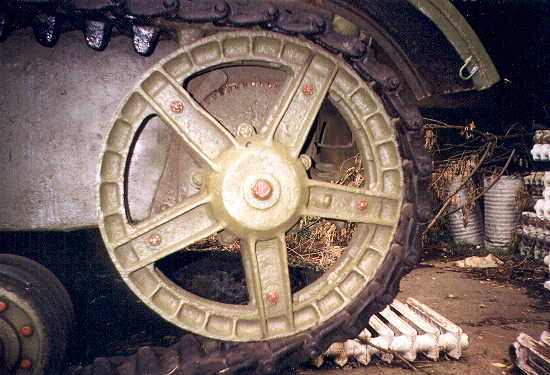 Танк Т-26, заднее колесо