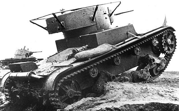 Танк Т-26 с радиостанцией