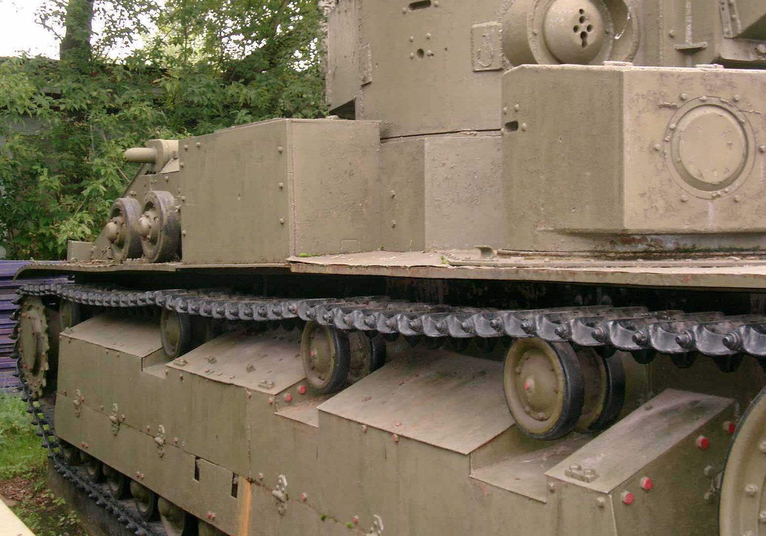 Танк Т-28, вид справа