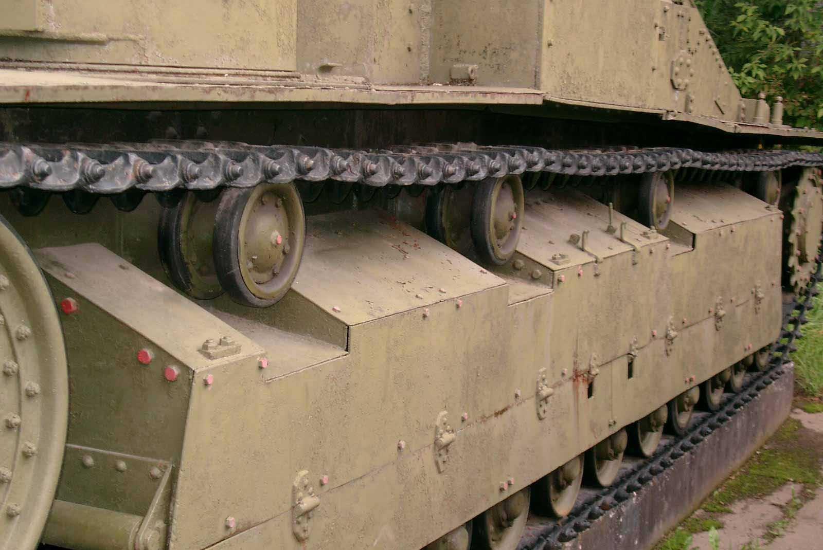 Танк Т-28, левый борт