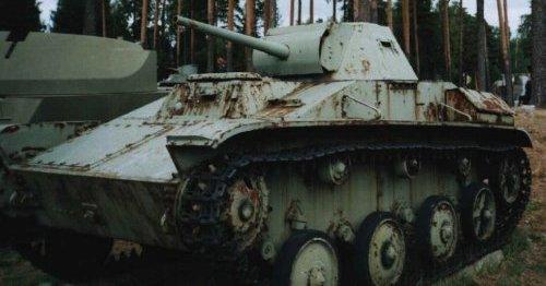 Танк Т-30 в зимней окраске