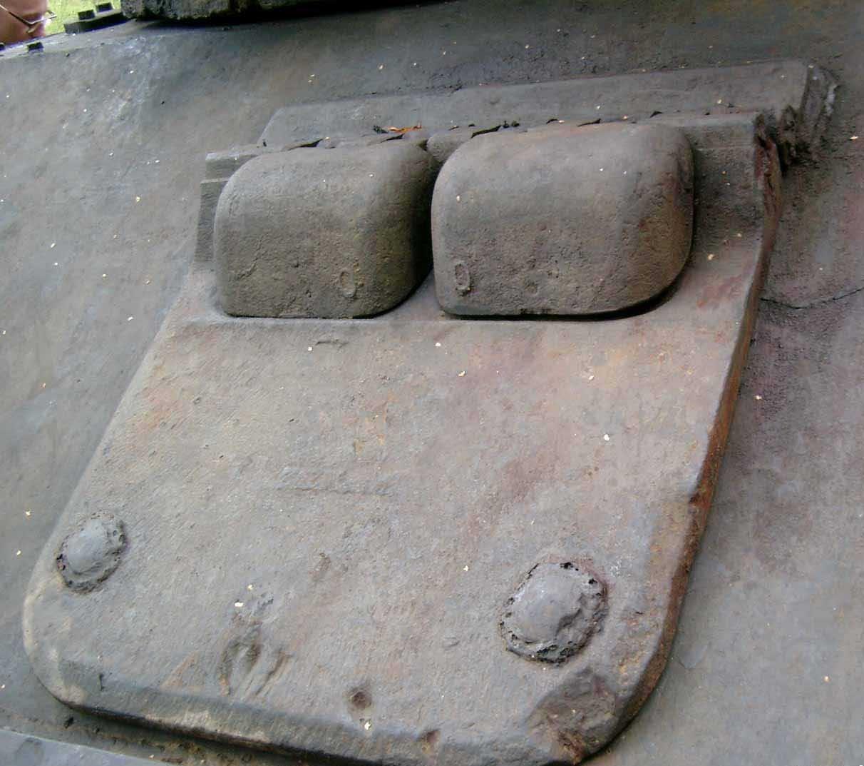 Танк Т-34/76, закрытый люк водителя