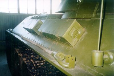 Танк Т-34/76, инструментальные ящики левого борта