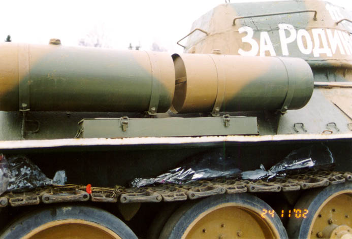 Танк Т-34/76, топливные баки