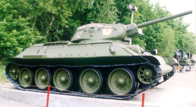 Танк Т-34/76, вид справа
