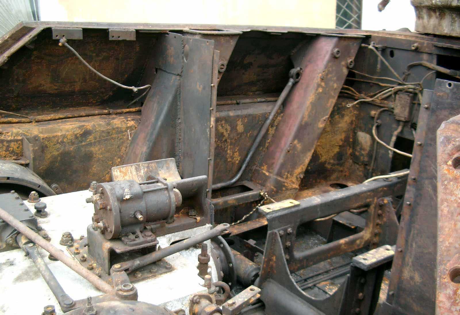 Танк Т-34/76, место крепления двигателя