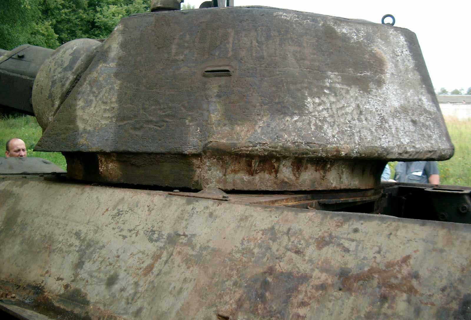 Танк Т-34/76, башня, вид слева
