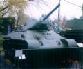 танк Т-34/76 на улице