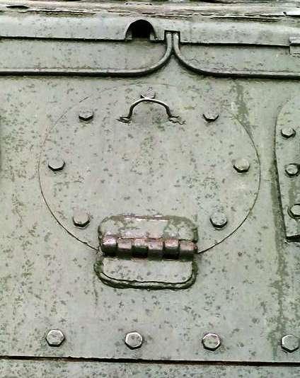 Танк Т-34/85, круглый люк