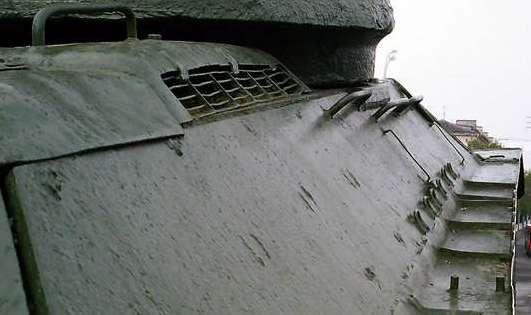 Танк Т-34/85, правый борт