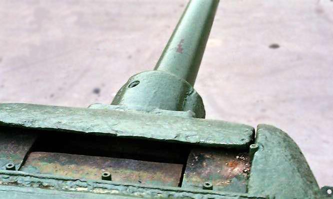 Танк Т-34/85, маска пушки сверху