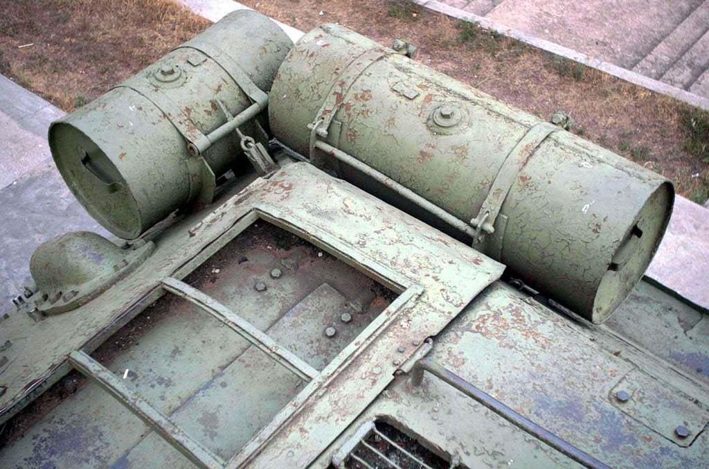 Танк Т-34/85, двигатель