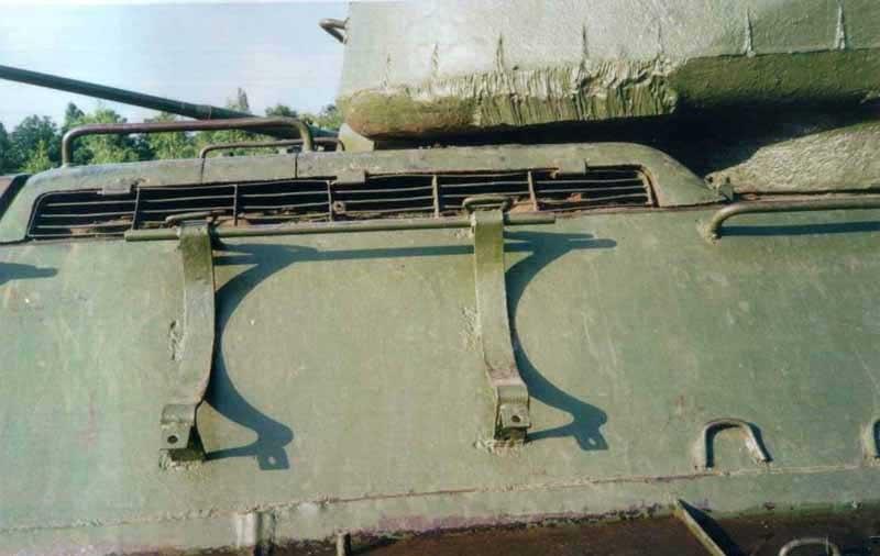 Танк Т-34/85, кронштейн крепления топливных баков