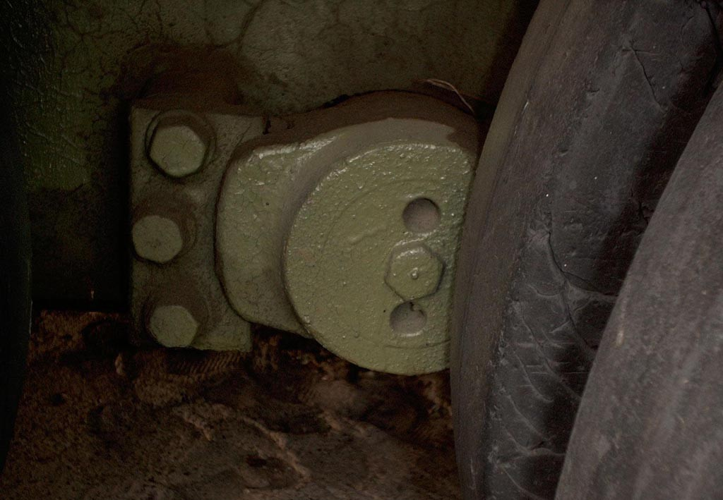 Танк Т-34/85, крепление торсиона