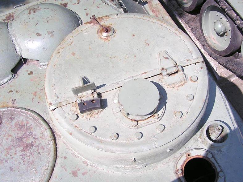 Танк Т-34/85, люк командирской башенки