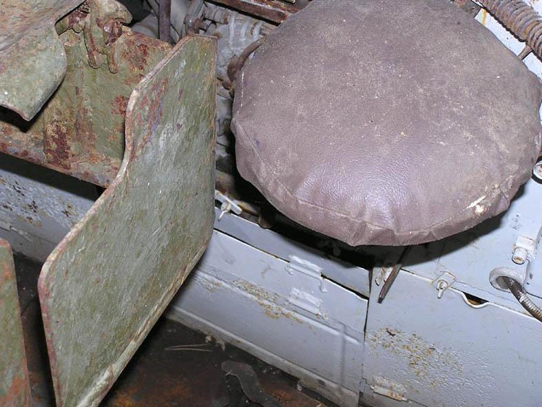 Танк Т-34/85, сиденье стрелка
