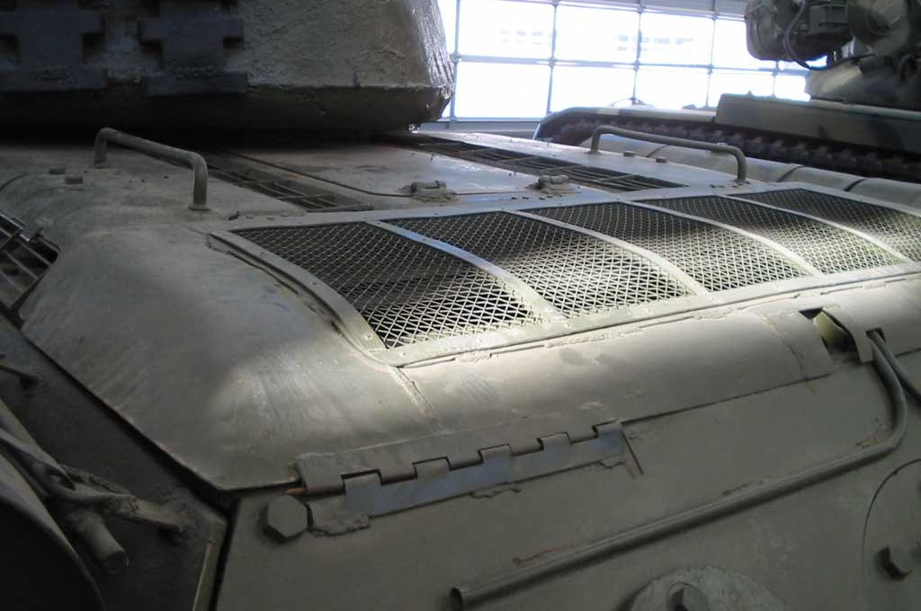 Танк Т-34/85, решётка двигателя