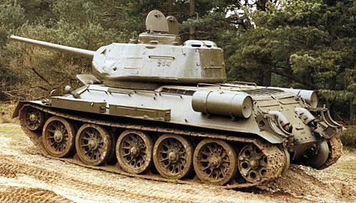 Танк Т-34/85 на грунте