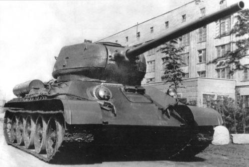 Танк Т-34/85, старая фотография