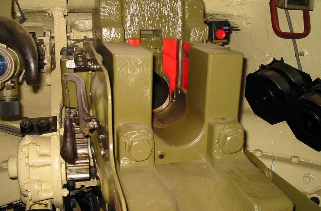Танк Т-34/85, казённая часть пушки