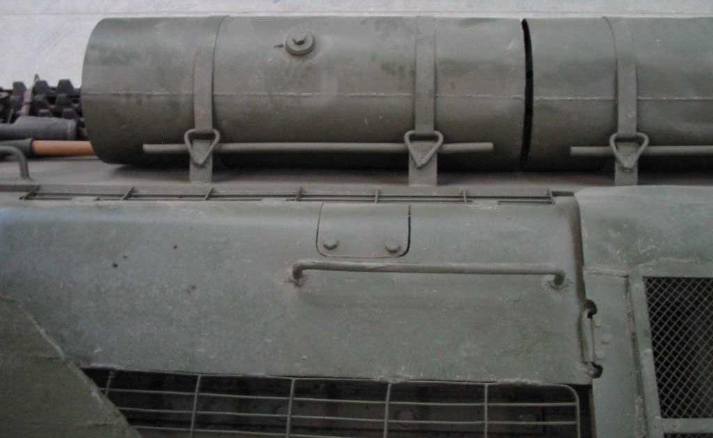 Танк Т-34/85, топливные баки