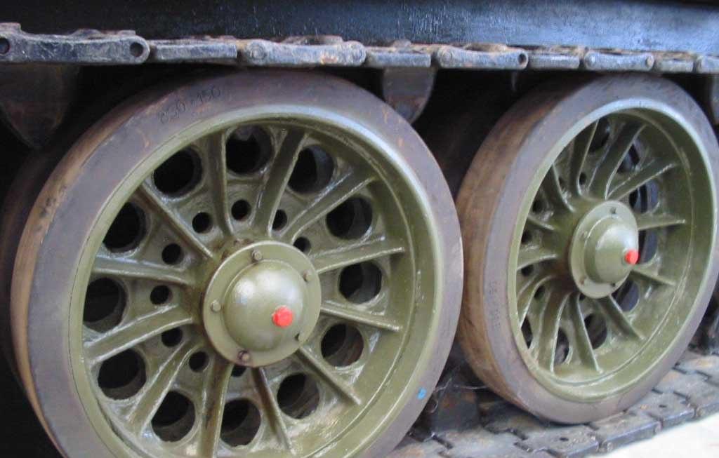 Танк Т-34/85, катки