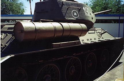 Танк Т-34/85, резервные баки
