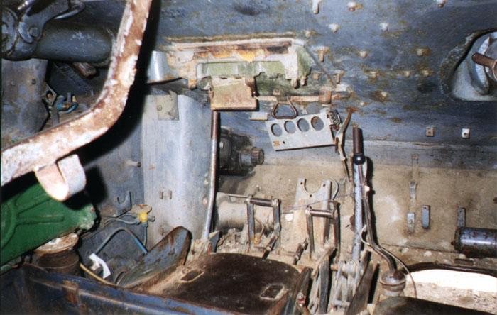 Танк Т-34/85, место механика-водителя